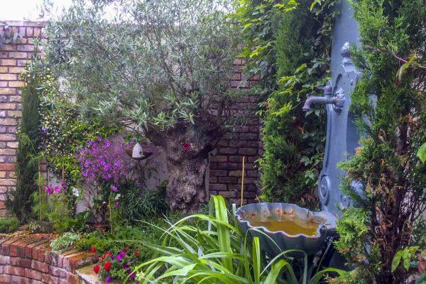 small-garden-design-1-10