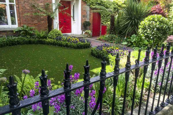 small-garden-design-1-2